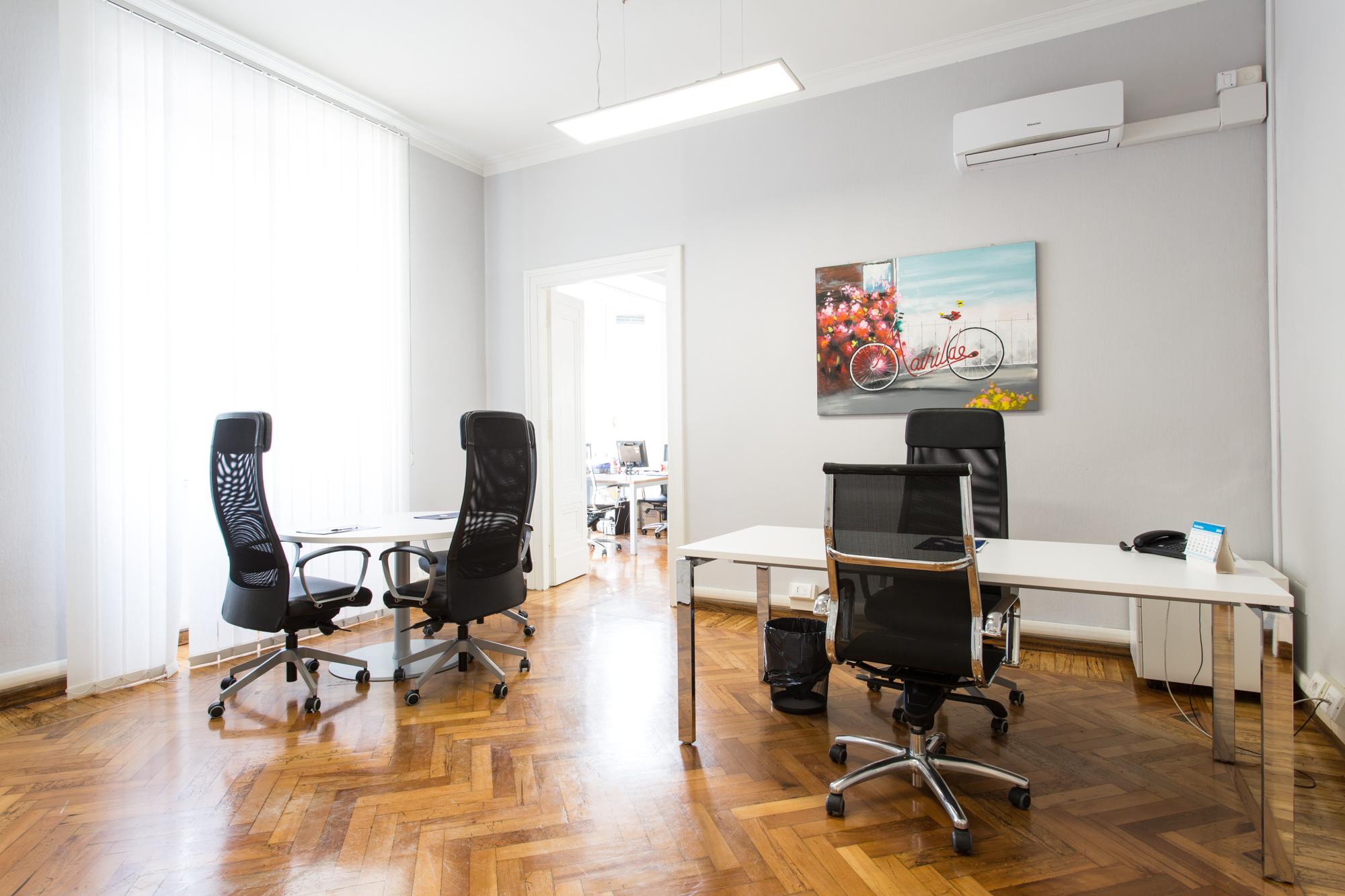 Noleggio uffici a giornata temporanei a milano e roma for Uffici virtuali roma